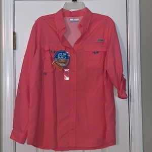 New with tags Women's pfg button up shirt.